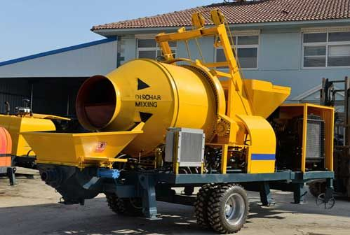 Concrete Mixer With Pump Needs to Adjust Piston Rod